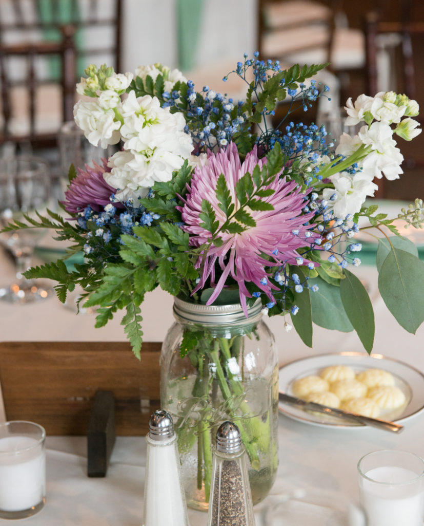 DIY Wedding Ideas. DIY Centerpieces. Planning a wedding on a budget.