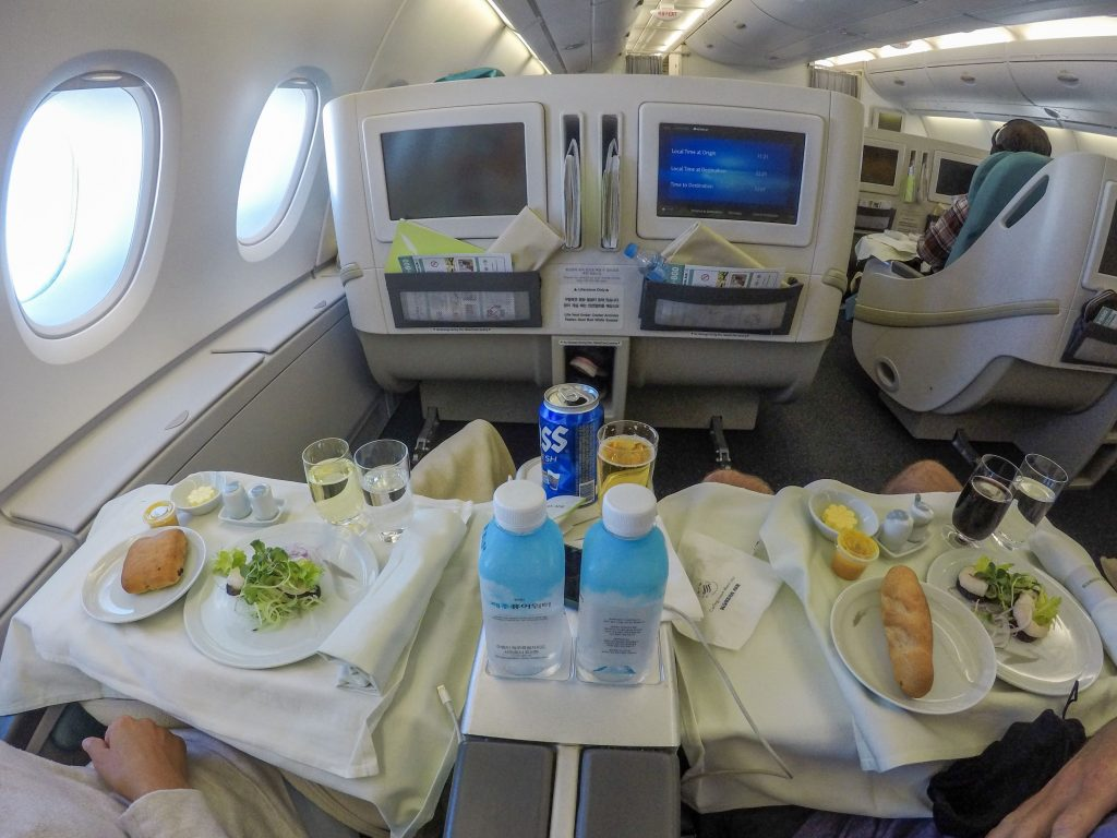 BUSINESS CLASS KOREAN AIR A380 Second Floor Cabin Meal