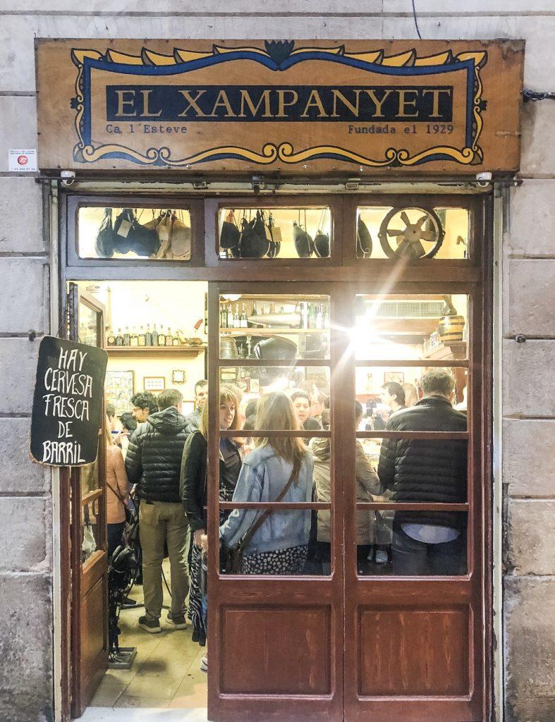 El Xampanyet. 24 Hours in Barcelona, Spain. What to do in Barcelona. Where to go in Barcelona. Gothic Quarter Restaurants Barcelona.