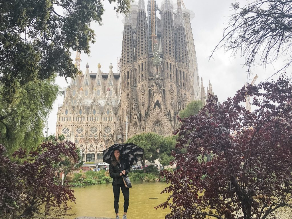 La Sagrada Familia. 24 Hours in Barcelona, Spain. What to do in Barcelona. Where to go in Barcelona. Famous Cathedrals.