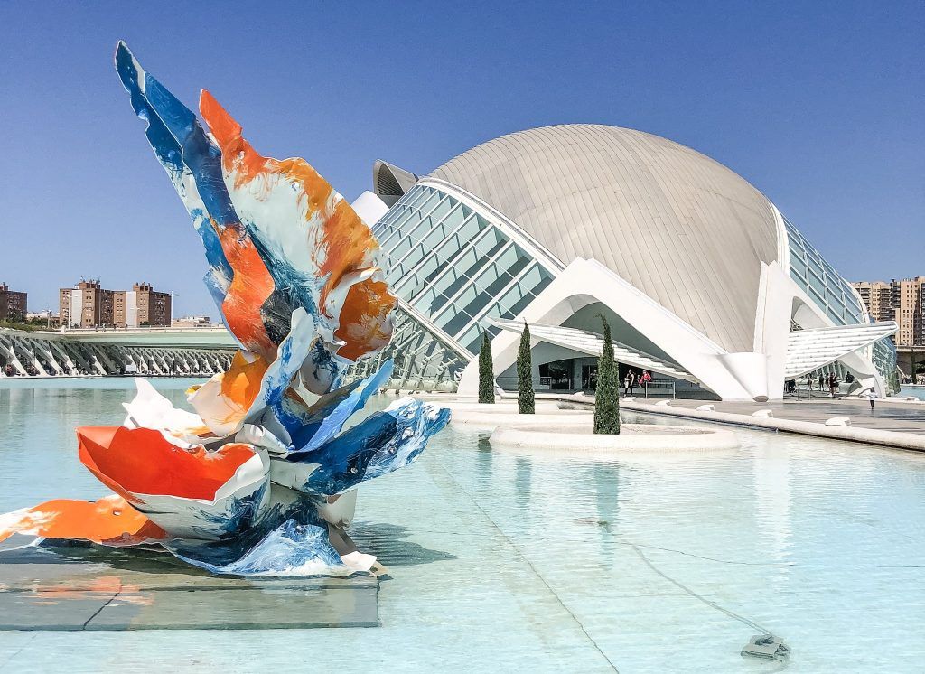 Top 10 Things To Do in Valencia, Spain. The City of Arts and Sciences. What to do in Valencia, Spain. What to see in Valencia, Spain. Free activities in Valencia, Spain. Educational tours in Valencia. What to do in Valencia that is free.