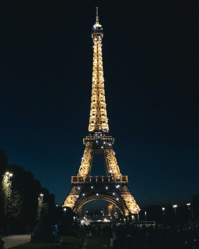 How to Make the Best of 48-Hours in Paris, France. Best Eiffel Tower photo spots. Champ de Mars. The Eiffel Tower at night. Visit the Eiffel Tower at night.
