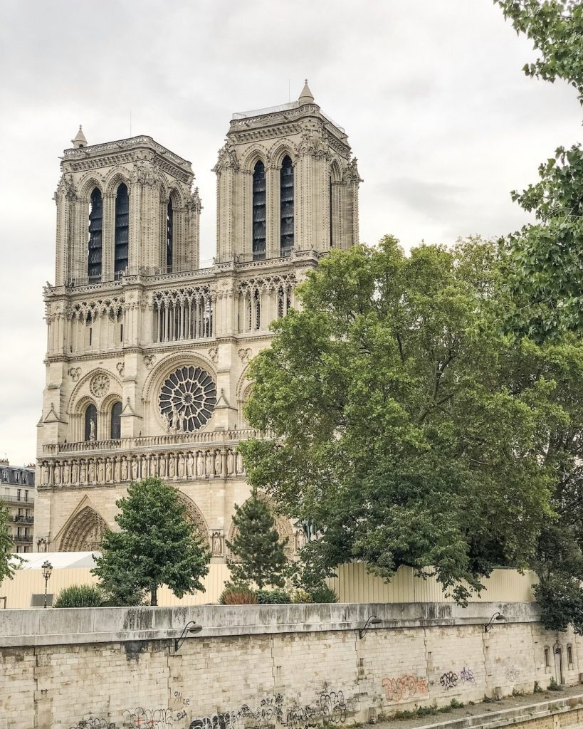 How to Make the Best of 48-Hours in Paris, France. What to see in Paris, France. Things to see in Paris. Famous landmarks in Paris. Notre Dame.