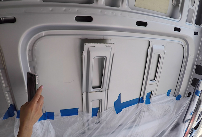 Removing the ribs of the van - how to install a side panel bunk window