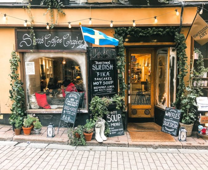 Top things to do in Stockholm in two days. Sara's Art and Coffee is a cute cafe located in Gamla Stan.