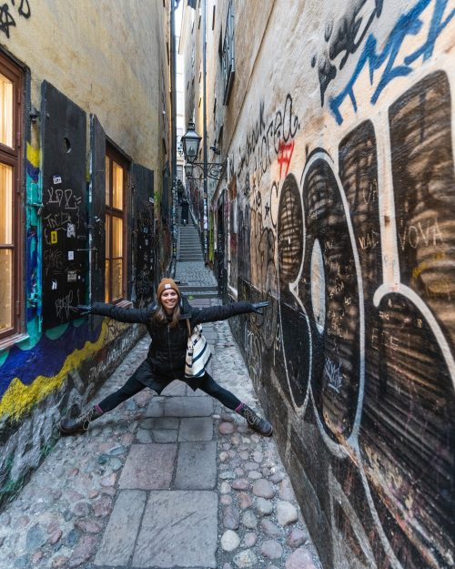 How to make the most out of two days in Stockholm. Explore Gamla Stan and Stockholm's narrowest street.